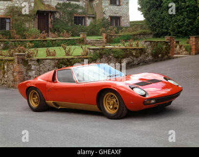 1971 Lamborghini Miura P400 SV V12 4 0 litre engine producing 385 bhp Bodywork built by Bertone Country of origin - Stock Image