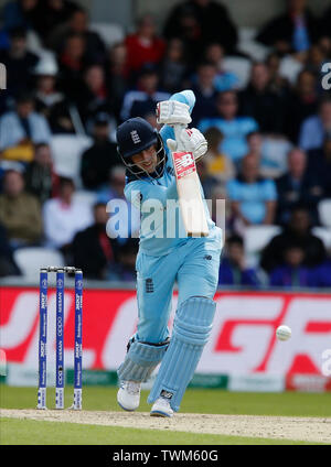 Emerald Headingley, Leeds, Yorkshire, UK. 21st June, 2019. ICC World Cup Cricket, England versus Sri Lanka; Joe Root of England hits a straight drive to the boundary Credit: Action Plus Sports/Alamy Live News - Stock Image
