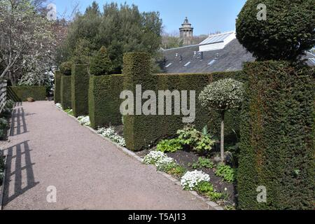 Dunbar's Close Garden is a small quiet formal garden just yards from the Canongate, High Street, in Edinburgh 'Old Town' - Stock Image