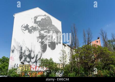 Wall Painting, Astronaut, Kreuzberg, Berlin - Stock Image