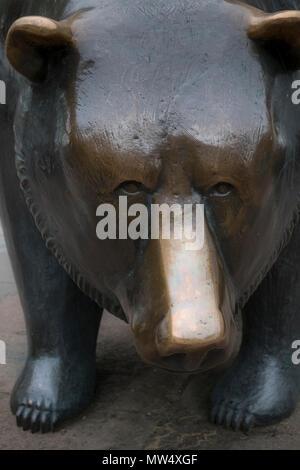A bronze bear sculpture, symbol for 'bear markets', Frankfurt am Main, Hesse, Darmstadt, Germany - Stock Image