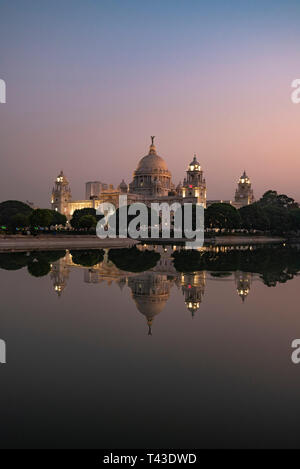 Vertical panoramic view of the Queen Victoria Memorial at sunset in Kolkata aka Calcutta, India. - Stock Image