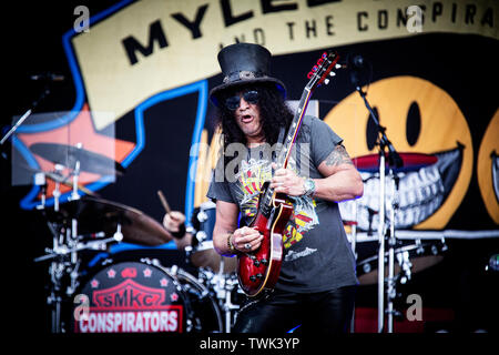 Copenhagen, Denmark. 20th June, 2019. Copenhagen, Denmark - June 20th, 2019. The American musician and guitarist Slash (pictured) performs a live concert with Myles Kennedy and The Conspirators during the Danish heavy metal festival Copenhell 2019 in Copenhagen. (Photo Credit: Gonzales Photo/Alamy Live News - Stock Image