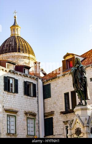 Statue of Ivan Gundulic on Gunduliceva poljana Market, Dubrovnik - Stock Image