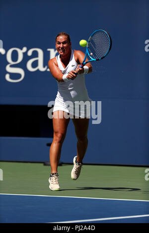 Flushing Meadows, New York - September 3, 2018: US Open Tennis:  Dominika Cibulkova of Slovakia in action against Madison Keys of the United States during their fourth round match against  at the US Open in Flushing Meadows, New York. Credit: Adam Stoltman/Alamy Live News - Stock Image