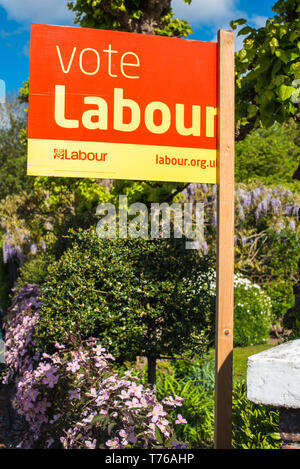 Vote Labour board on Cambridge street in England, UK. - Stock Image