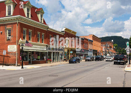 COUDERSPORT, PA, USA-10 AUGUST 18:  Main Street in the small borough in the Alleghenies of northern Pennsylvania. - Stock Image