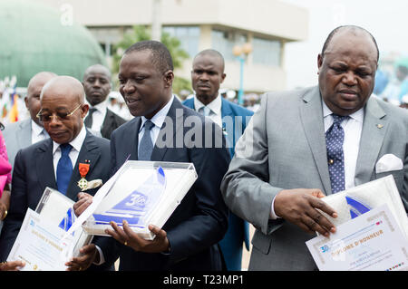 Abidjan, Ivory Coast - August 3, 2017: graduation and gift to the authorities and godfather at the end-of-cycle ceremony of the students of the sailor - Stock Image