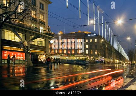 Zurich Bahnhofstrasse christmas illumination Confiserie Spruengli Bank Credit Suisse Paradeplatz - Stock Image