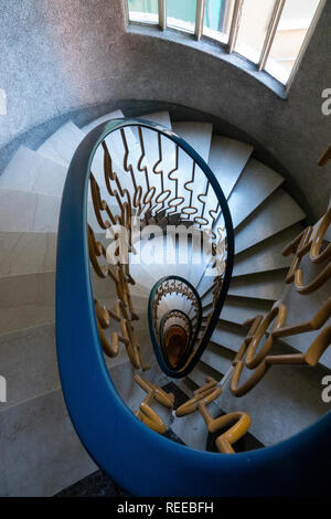 Italy Rapollo apartment oval spiral staircase interior marble stairs - Stock Image