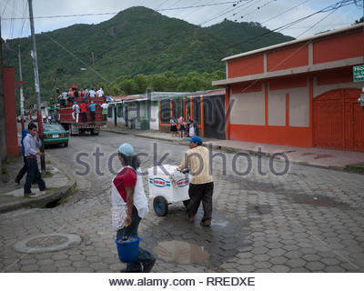 Every demonstration attracts the ice cream vendors, both in the US and Nicaragua - Stock Image