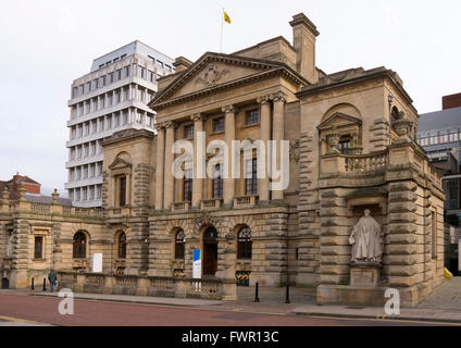 Surrey House, Norwich Norfolk England, the headquarters of Aviva, formerly Norwich Union. - Stock Image