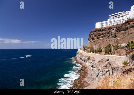 Hotel on the sea cliffs at Amadores, Gran Canaria, Canary Islands - Stock Image