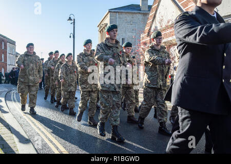 Trowbridge, Wiltshire, UK. 11th Nov, 2018. Army cadets in remembrance parade Credit Estelle Bowden/Alamy Live news - Stock Image
