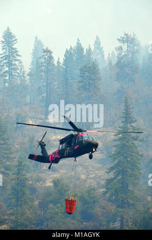 California Army and Air National Guard helicopter pilots from the 1st and 3rd Battalion of the 140th Aviation Battalion - Stock Image