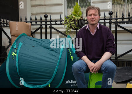 London, UK. 17th June 2019. Richard Ratcliffe on hunger strike in front of the Iranian embassy in London in protest of the detention of his wife Nazanin Zgahari in Iran over spying allegations. Credit: Joe Kuis / Alamy - Stock Image