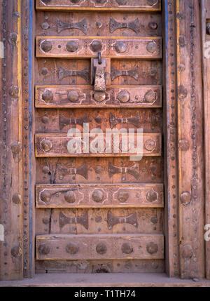 Traditional old wooden door in Sanaa, Yemen - Stock Image