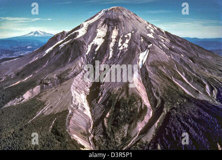 Aerial view from the west of Mount St. Helens volcanic before eruption in 1979 in Washington State. The volcano - Stock Image