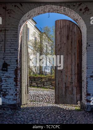 Warehouse door, Suomenlinna, Helsinki, Finland - Stock Image