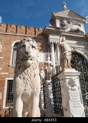The Lion of the Piraeus & the Porta Magna of the Venetian Arsenal, Venice, Italy - Stock Image