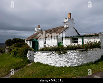 RS 8065  Crebbin's Cottage, Cregneash, Isle of Man, UK - Stock Image
