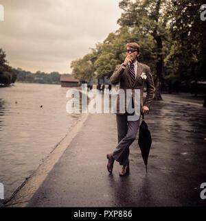 Swedish actor Sven-Bertil Taube posing in Hyde Park circa 1970 - Stock Image