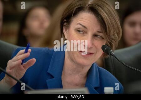 U.S. Senator Amy Klobuchar of Minnesota, questions Agriculture Secretary Sonny Perdue during a hearing at the Senate Agriculture, Nutrition, and Forestry committee hearing on implementing the Agriculture Improvement Act of 2018 on Capitol Hill February 28, 2019 in Washington, D.C. - Stock Image