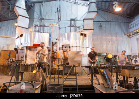 Czech Republic, Nizbor. Glass blowers at work. Credit as: Wendy Kaveney / Jaynes Gallery / DanitaDelimont.com - Stock Image