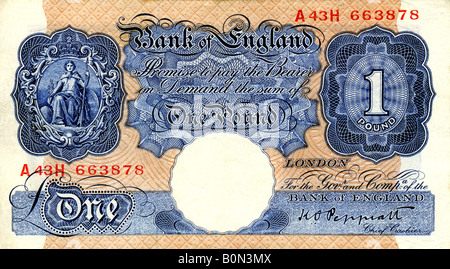 1940 Mint Bank of England One Pound Note with signature of K O Peppiatt  Chief Cashier FOR EDITORIAL USE ONLY - Stock Image