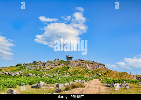 Stowe's Hill, Bodmin Moor, Cornwall, UK, with its granite tors, including the famous Cheesewring, under a glorious summer sky and clouds. Bodmin Moor  - Stock Image