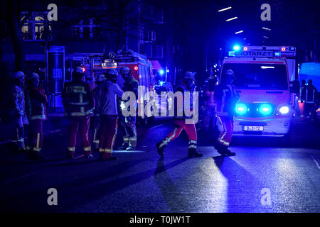 Berlin, Germany. 20th Mar, 2019. Rescue forces of the fire brigade during a mission at Wildenbruchplatz. One person died in the fire in an apartment building. Credit: Britta Pedersen/dpa-Zentralbild/dpa/Alamy Live News - Stock Image