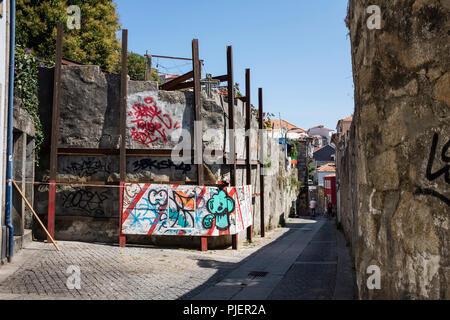 Srreet art, Porto, Portugal. - Stock Image