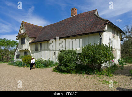 15th century hall house restored by The National Trust and used as accomodation for visitors to the Flatford Mill - Stock Image