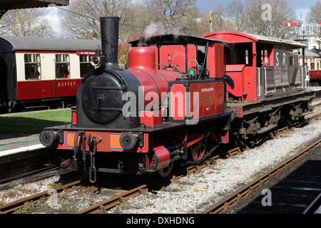0-4-0 steam locomotive 'Captain Baxter' with Southern guards/brake van at Horsted Keynes station, Bluebell Railway - Stock Image