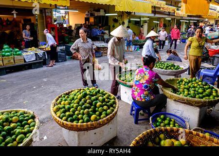 Vietnam, Hanoi, wholesale market of Long Bien - Stock Image