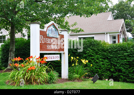 Riverdale Farms shopping plaza, Avon, Connecticut, USA - Stock Image