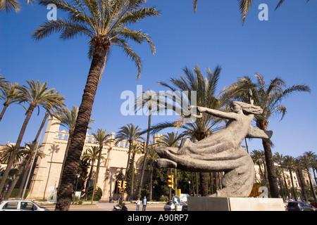 Mallorca Government building Consolat del Mar palm trees sculpture - Stock Image