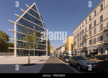 Herzog & de Meuron Architects, the iconic Feltrinelli Porta Volta research centre and office & retail building in Milan, 2016 - Stock Image