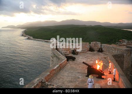 Canonazo ceremony with cannon lighting at El Morro castle, Santiago de Cuba, Cuba. Photo CUBA1549 Copyright Christopher - Stock Image