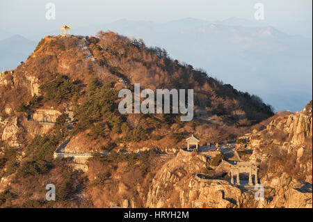TAISHAN, CHINA - AUG 15, 2012 - Early morning on the summit of Tai Shan, China's most famous mountain - Stock Image