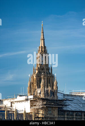 The slender form of the Central Tower, which was designed as a spire, markedly contrasts with the more massive square - Stock Image
