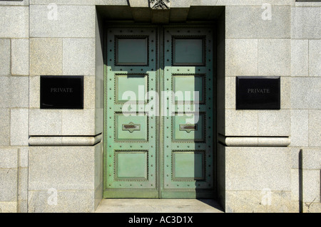 Thames House London headquarters of MI5 espionage doors building architecture secret services - Stock Image