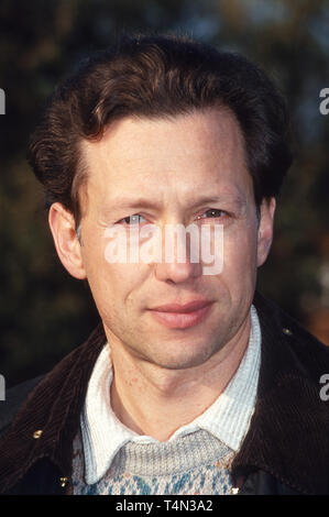 Stephan Schwartz, deutscher Film- und Fernsehschauspieler, in der Fernsehserie 'Freunde fürs Leben', Deutschland 1994. German movie and TV actor Stephan Schwartz from the German TV series 'Freunde fuers Leben', Germany 1994. - Stock Image