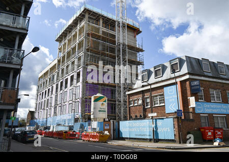 Bermondsey Borough of Southwark London UK - Homes for first time buyers under construction - Stock Image