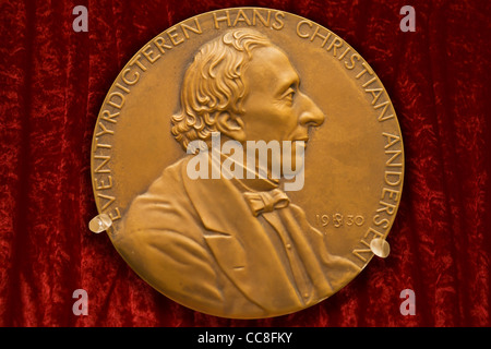 Portrait medal of the Danish fairytale writer Hans Christian Andersen - Stock Image