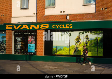 The exterior of Evans Cycles in Gun Street, Reading, Berkshire. - Stock Image