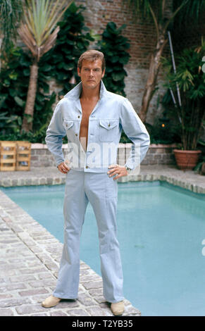 ROGER MOORE,  LIVE AND LET DIE, 1973 - Stock Image