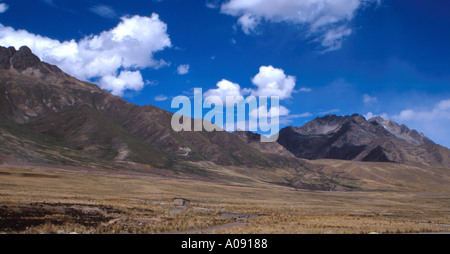 Mountain Range in the Meseta de Colleo Region of Peru Between Arequipa and Puno, Peru, South America - Stock Image