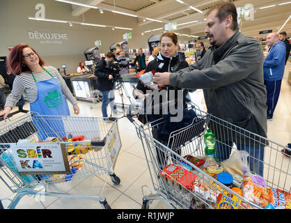 Prague, Czech Republic. 10th Nov, 2018. National food collection will take place in more than 660 stores across the Czech Republic on November 10, 2018. On the photo is seen an one of stores of Lidl company in Prague. Credit: Michaela Rihova/CTK Photo/Alamy Live News - Stock Image