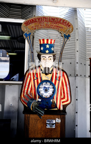 Novelty penny arcade Uncle Sam game. Battleship Missouri Memorial, Pearl Harbour, Hawaii - Stock Image